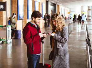 Hawaiian Airlines app passengers checking for flight updates